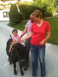 Horseback riding for kids at the Torbauer